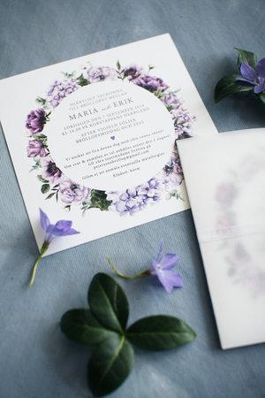Lila blomsterkrans