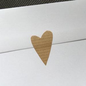 Etikett hjärta ribbat kvistpapper