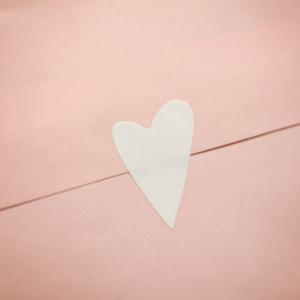 Etikett hjärta vitt